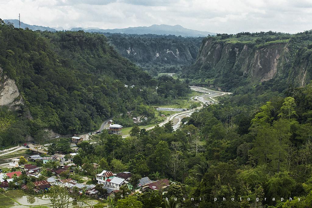 IMG_2568 pemandangan Ngarai Sianok dari Panoraa Bukit Tinggi