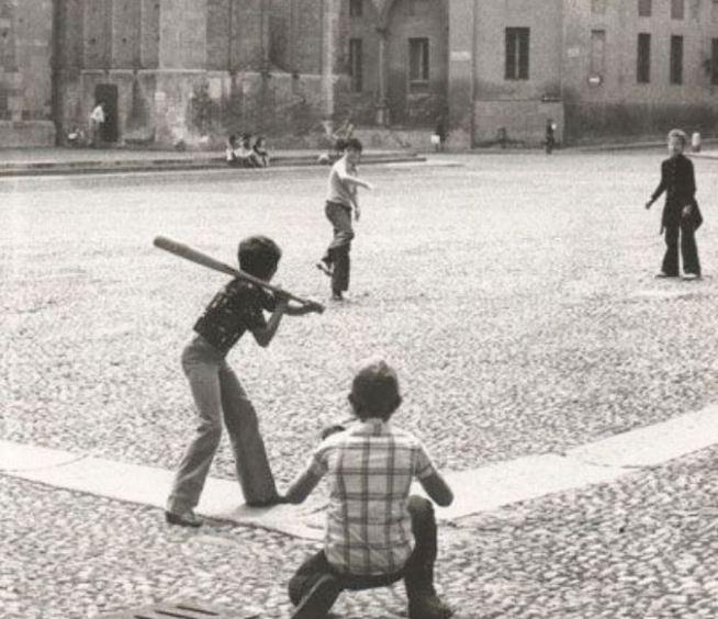 [cml_media_alt id='3002']baseball in piazza[/cml_media_alt]
