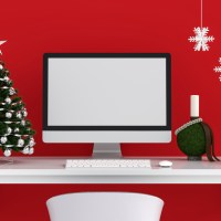 8 Ideas to Decorate Your Desk for Christmas