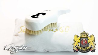King Scorpion 360 White Snub Tail Club Hard-Medium Wave Brush