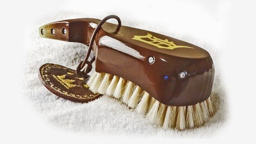 Wide Mouth Club Wave Brush