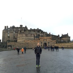 Finally, the other end of the Royal Mile - Bobby in front of the Edinburgh Castle
