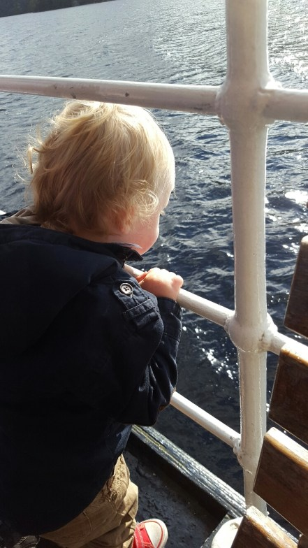 The photo travel bloggers use - blissfully setting sail