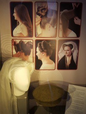 16th century hair styles at John Gray