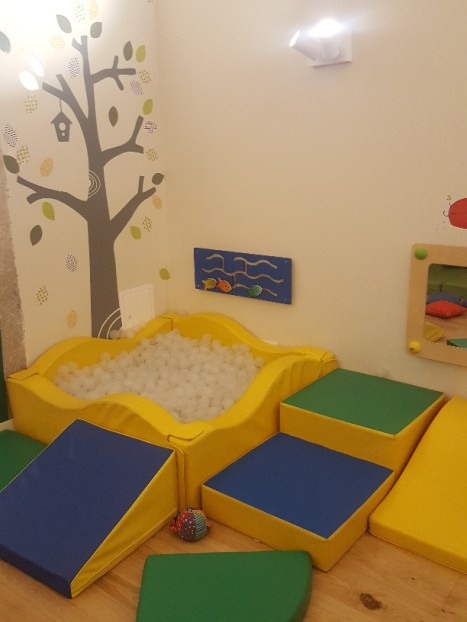 Play area for tots at Chiado