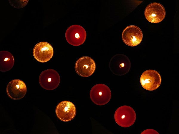 tea-lights-80178_1280