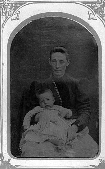 Parilee Head Darter holding son, Elbert Henderson Darter, Sr.