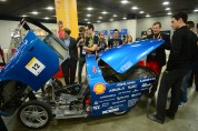 Keslowski & Logano learn about the CU Urban Concept Car.