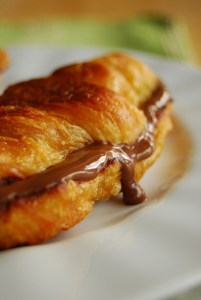 breakfast-33-n[utella-croissant-french