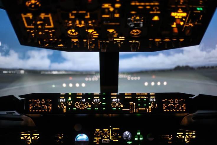 Cobra Simulation. Flight Simulator.