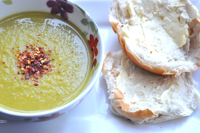 Soup Maker Recipe:  Curried Parsnip and Spring Onion Soup