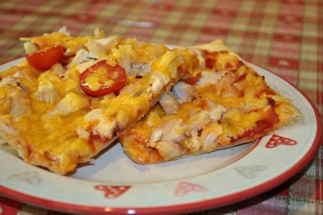Puff Pizza – Chicken and Tomato
