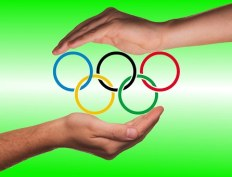 Olympic Rings hands