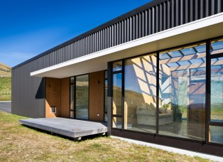 Hau Nui House by Hugh Tennent and award-winning Master Builder, Scotty's Construction in Wellington