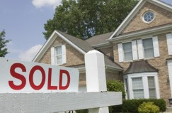 A real estate brokerage helps list at right price.