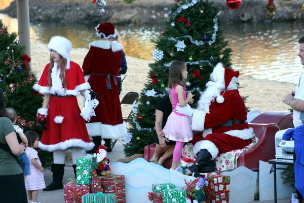 Santee Lakes Celebrate the Holidays (1/2)