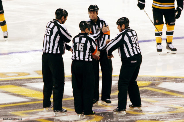 Tonight's NHL Referees – 3/26/14