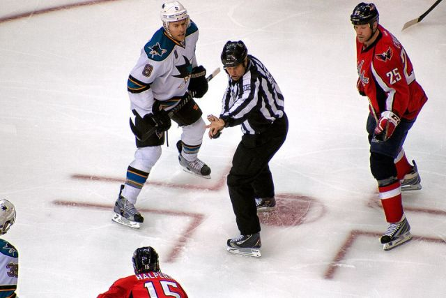 Tonight's NHL Referees & Linesmen – 3/21/15