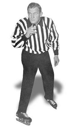 Referee Frank Udvari