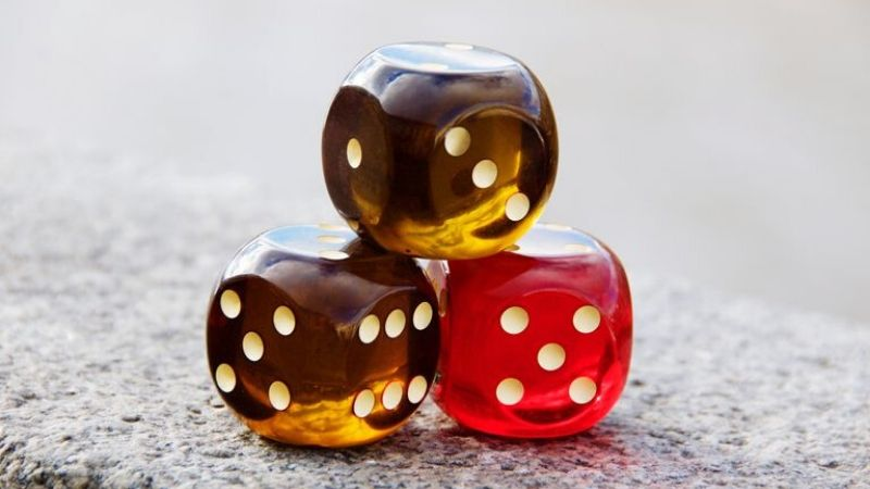 roll dice games