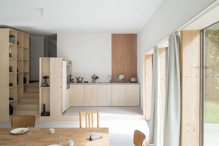 atelier-mima-maison-JJS.M-timber-house-nivillac-france-designboom-06
