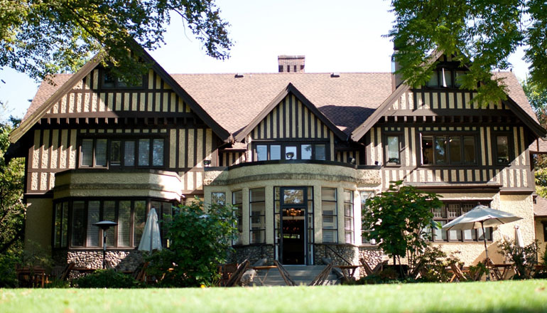 Hart House To Host Long Table Feast Outdoors With Blue