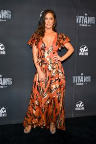NEW YORK, NY - OCTOBER 03: Actress Minka Kelly attends DC UNIVERSE's Titans World Premiere on October 3, 2018 in New York City. (Photo by Dave Kotinsky/Getty Images for DC UNIVERSE)