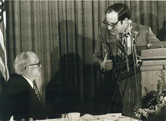 Kent Krell (right) with Governor John West at the 1971 Byliner Dinner with the Central S.C. Chapter of Sigma Delta Chi.