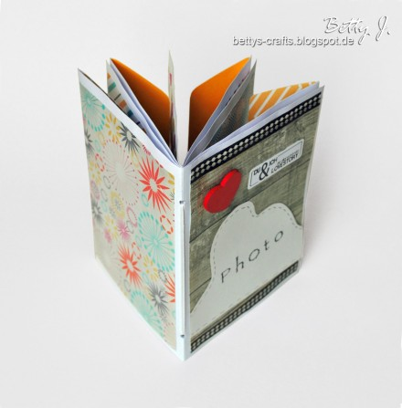 Envelope Mini Album for Valentine's Day from betty's Crafts