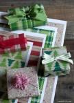 Freebie   Printable Kraft Christmas Gift Wrap Paper