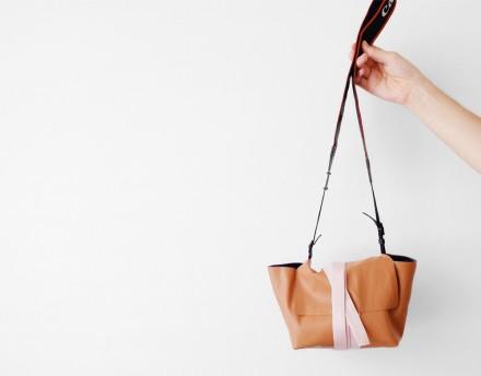 Tutorial - DIY Camera Wrap Bag from PhotoJojo