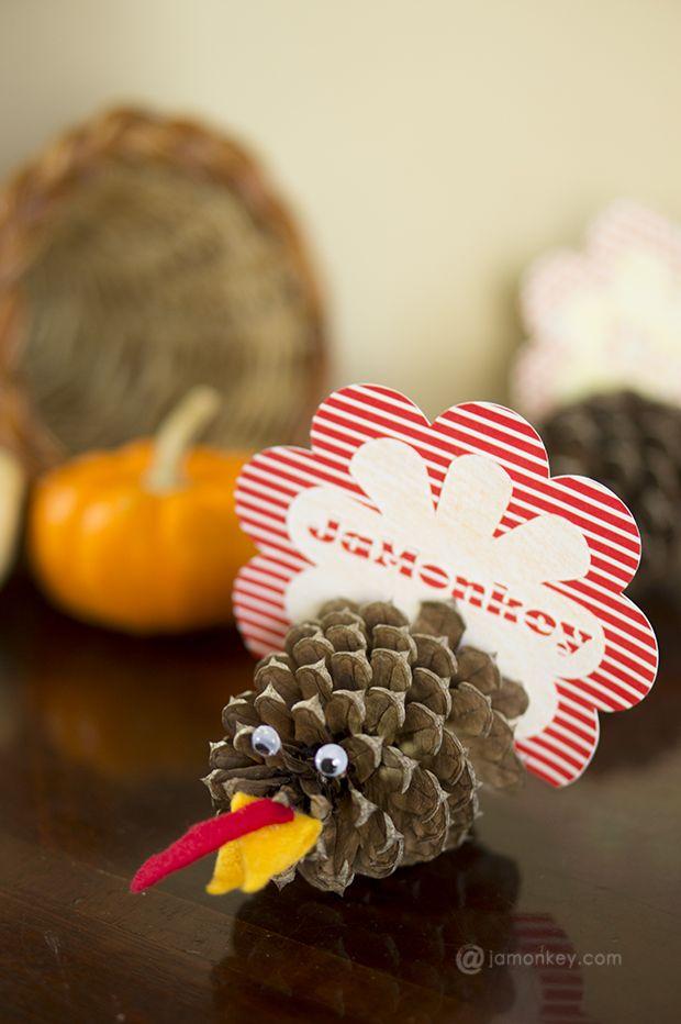 Pinecone Turkey Placecards from Jamonkey