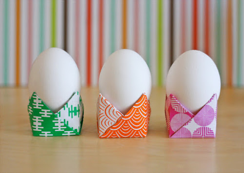 5 ways to make paper egg cups for easter scrap booking for Egg tray craft