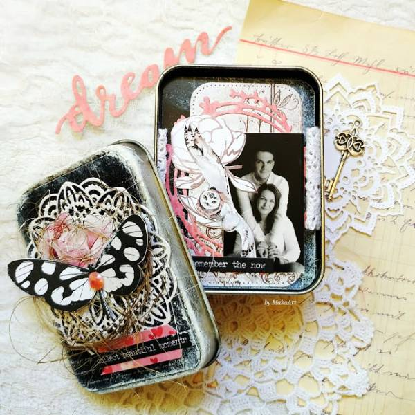 Mini Album in a Tin