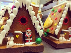 Epic cute Gingerbread Houses from Christmas 2015