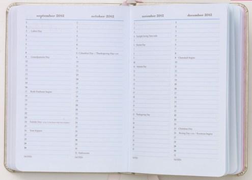 momagenda mini-daily planning calendar year