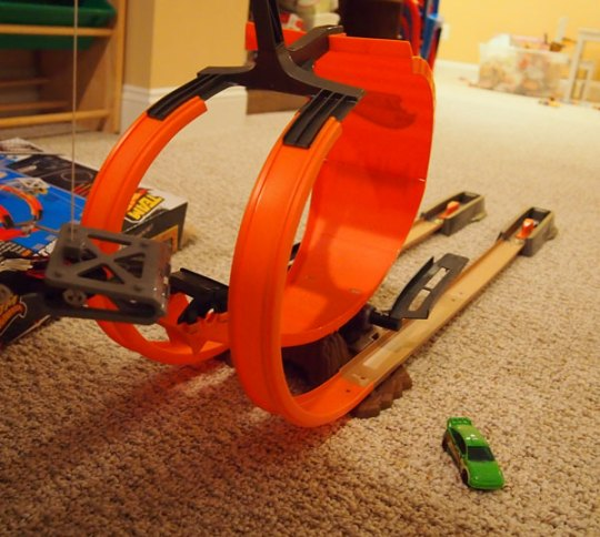 team hot wheels double dare snare race track