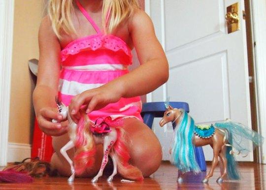 playing pony royale princess ponies