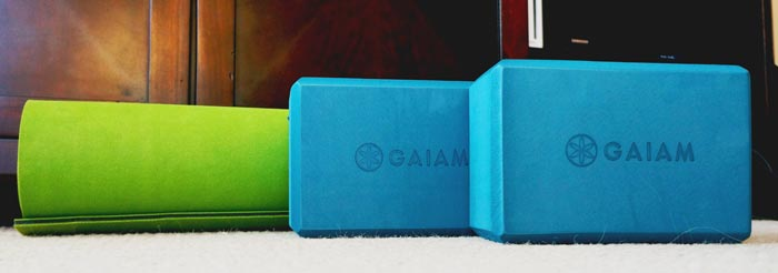 Gaiam mat and blocks