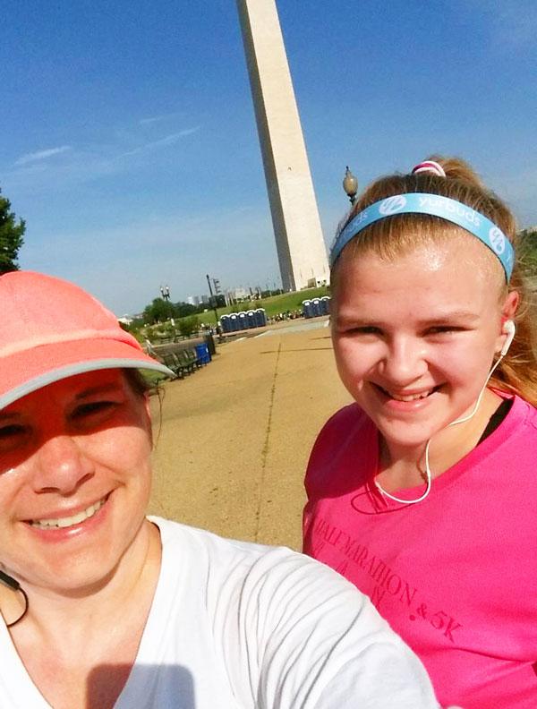 washington monument selfie