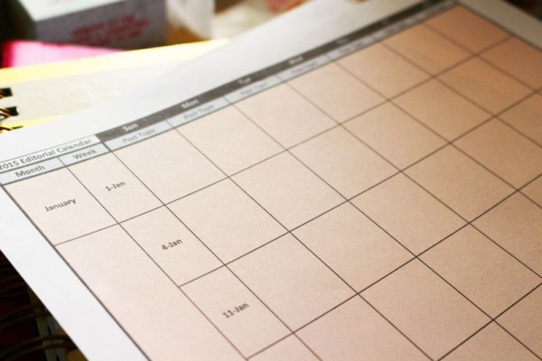 Download a free 2015 blogging editorial calendar. Full year on 1 page.  #blogging #editorialcalendar #printable