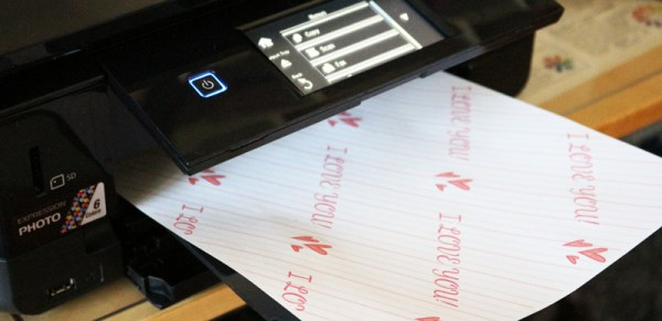 Printing gift wrap on my printer. Epson DIY Wrapping Generator to make wrapping paper at home. Print the gift wrap on your printer at home.