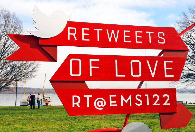 Diet Coke #RetweetsofLove Sculpture of @EMS122 tweet to Diet Coke. #AD