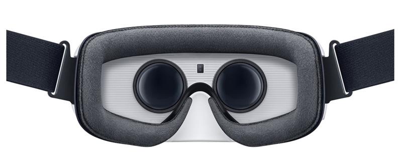 Samsung-phone-on-Gear-VR-Best-Buy