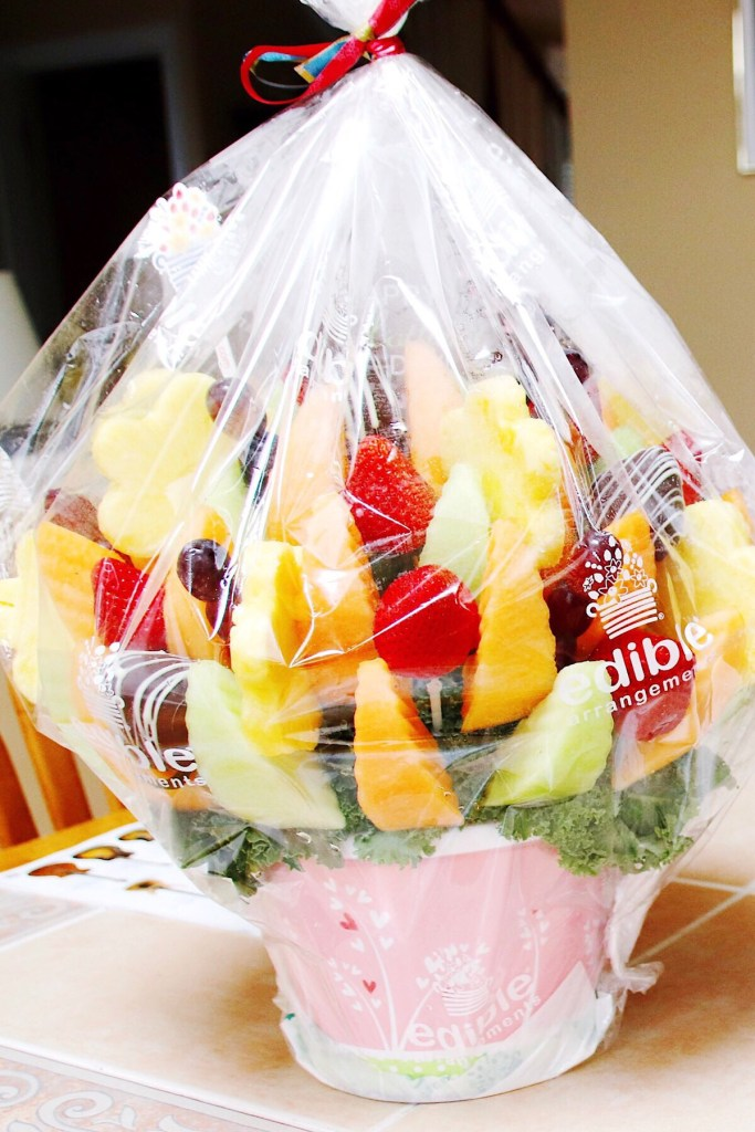 Perfect Mother's Day Gifts Guide for 2018. Includes coupon codes for some of the gifts. Each unique gift I personally tried and recommend. #Gifts4MomBBxx @edible #Momible