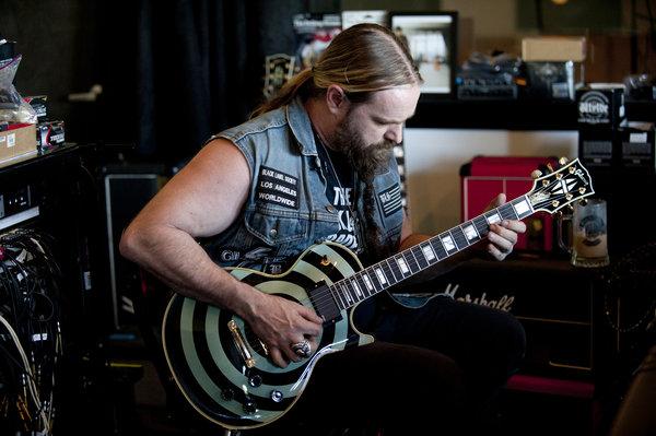 Zakk Wylde, pictured with the guitar that was stolen in Chicago. (Scott Uchida)