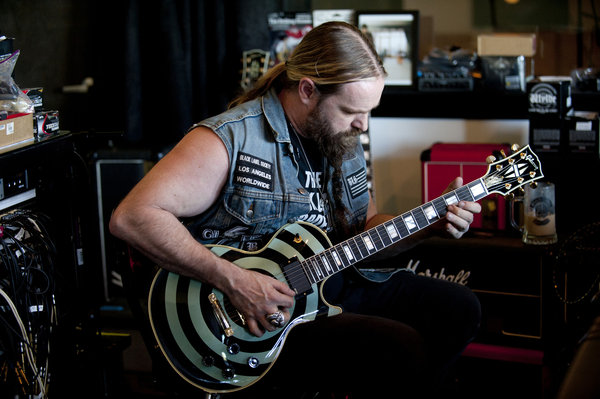 Zakk Wylde, pictured with the guitar that was stolen in Chicago. (Scott Uchida)