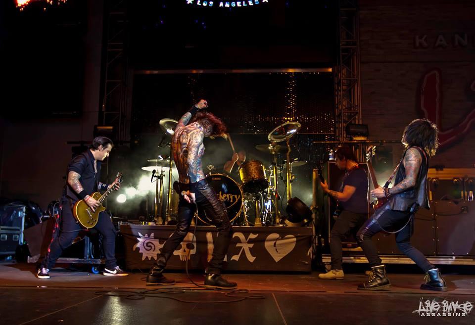 BUCKCHERRY LIVE 8-5-14 from 2013