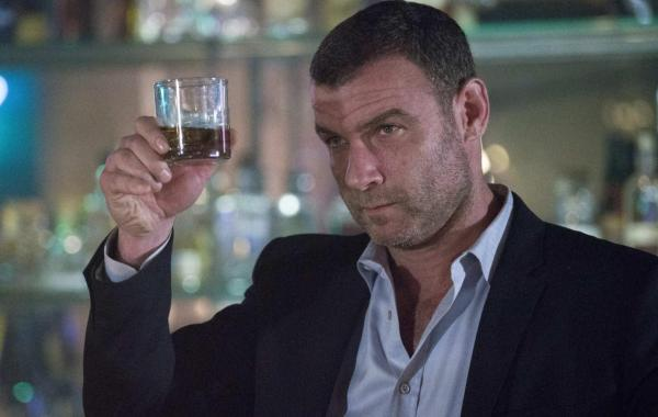 'Ray Donovan' Renewed For Season Six By Showtime; Series Moving To New York! 4