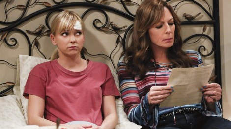 CBS Renews 'Mom' For Season 6 1